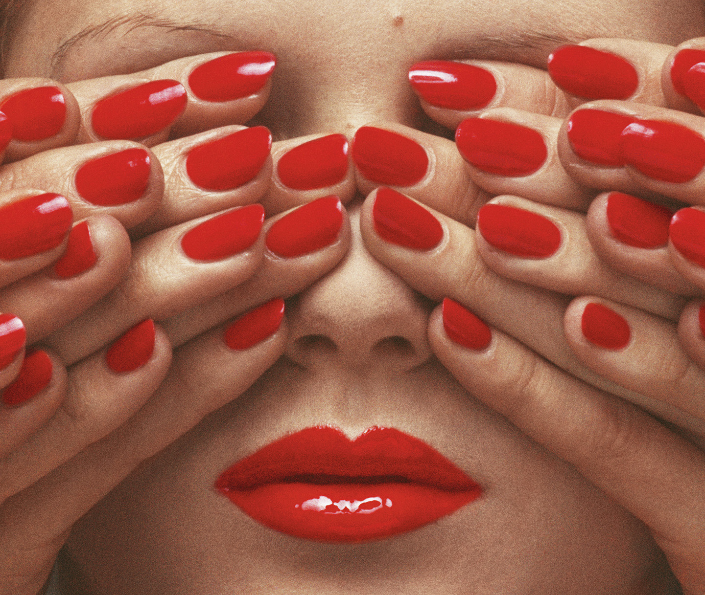 gb1_photo_by_guy_bourdin