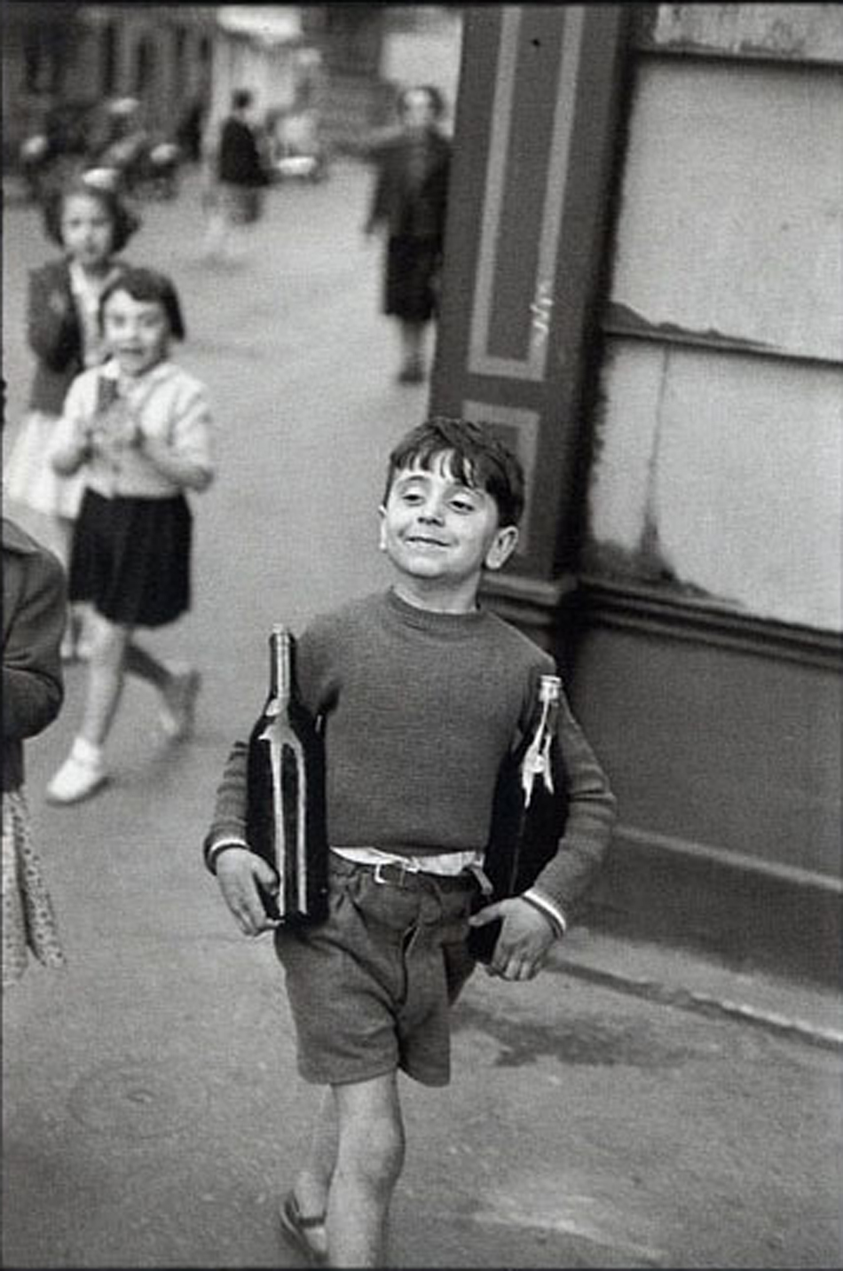 Photo by Henri Cartier-Bresson.